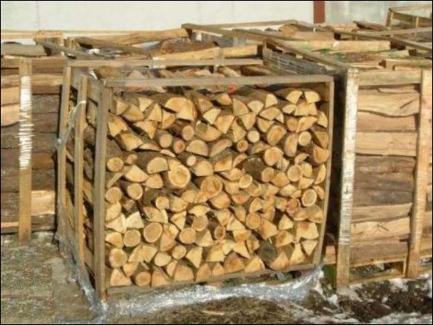 C'est une histoire de phonétique. Ajoutez une lettre à cette ancienne unité de mesure encore utilisée dans le commerce du bois et vous aurez un personnage aux principes rigides.