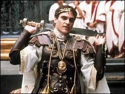 Quel est le nom de cet empereur, fils de Marc-Aurèle, qui ne dédaignait pas descendre dans l'arène pour combattre ?