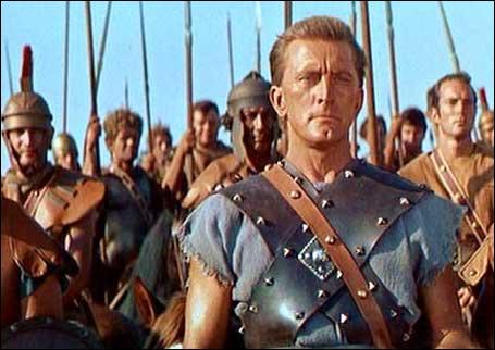Spartacus mena une révolte de gladiateurs en 73 av. J.-C. ; 100 000 hommes le suivaient et luttaient contre les légions. Il mourut en combattant mais qu'arriva-t-il à 6 000 de ses hommes sur la via Appia ?
