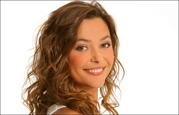 Que présente Sandrine Quétier le samedi ?