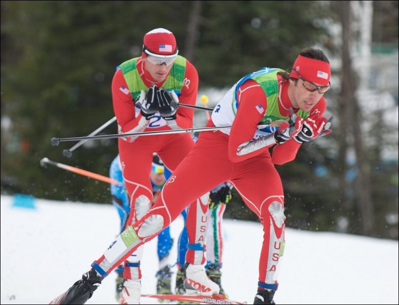 Quel skieur français a remporté un troisième Globe de cristal consécutif le 10 mars ?