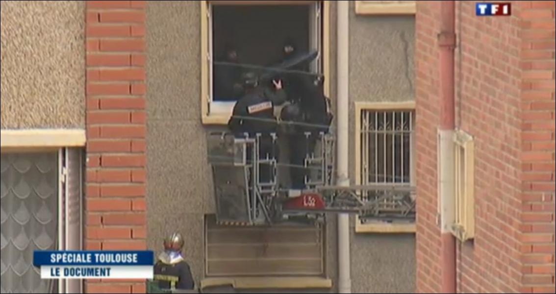 Le Raid a abattu Mohamed Merah le 22 mars, trois jours après qu'il a abattu quatre personnes, dont trois enfants, devant une école juive à Toulouse. Que signifie l'acronyme  Raid  ?