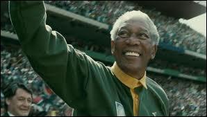 Quel film avec Morgan Freeman et Matt Damon, se déroulant en Afrique du Sud sous le premier mandat de Nelson Mandela, a-t-il réalisé en 2009 ?