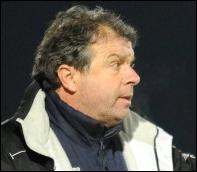 Quel club est entraîné par Jean-Michel Cavalli ?