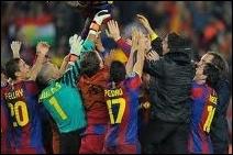 Qui entraîne le FC Barcelone ?