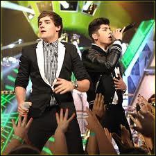 Combien ont-ils reçu de prix lors du Kids Choice Awards ?
