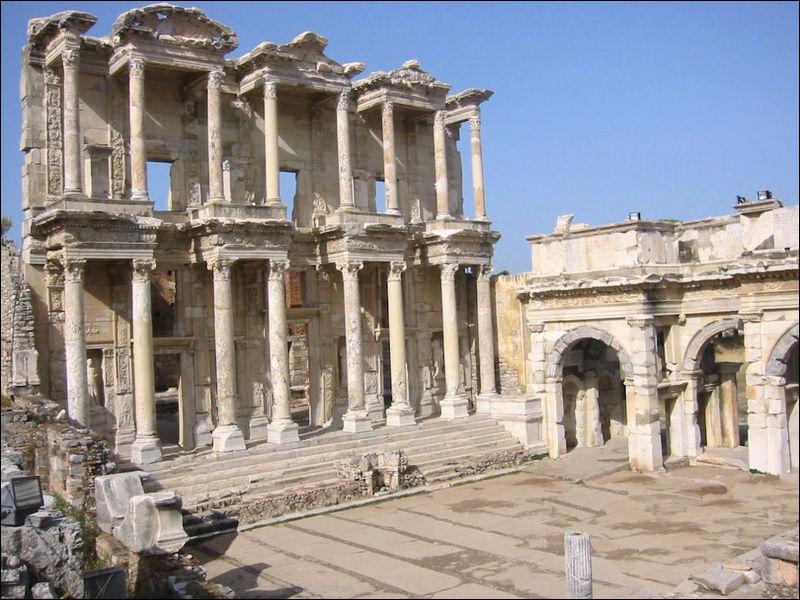 Sur ce site, a été érigée , le temple d'Artémis, l'une des 7 merveilles du monde. Où suis-je ?