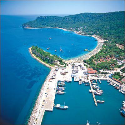 Antalya, se trouvvre sur le littoral sud de ce pays. Grâce à son climat et à son attrait touristique, on peut dire qu'Antalya est la...
