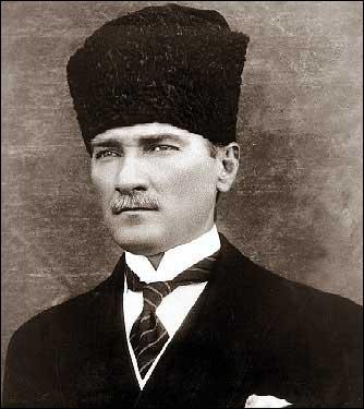 Comme je l'ai dit, en question n° 5, ce pays est devenu une République, grâce à cet homme. Qui est-il ?