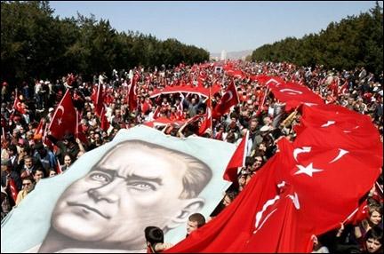 La fête nationale de ce pays est le 29 Octobre, car c'est le 29 Octobre 1923, que ce pays est devenu une République. Que s'est-il passé 6 ans plus tard dans le monde, le 29 Octobre 1929 ?