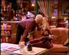 Pourquoi Phoebe embrasse-t-elle Gunther dans la saison 4 ?