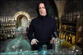 Qui fait semblant de vomir dans son chaudron durant le cours de potions quand Malefoy déclare qu'il dira à son père que Rogue est le meilleur professeur ?