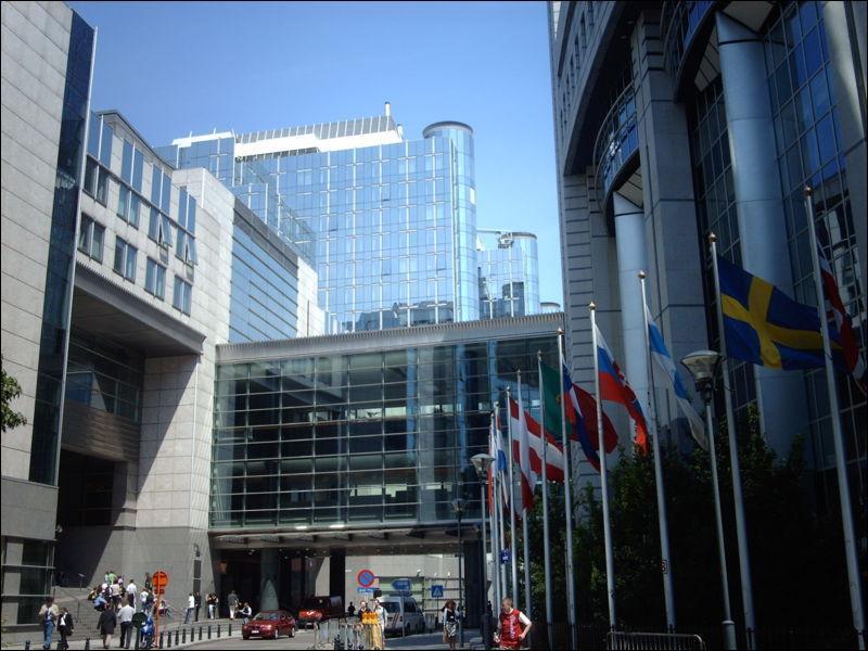 Quelle ville n'est pas capitale de l'U.E. (photo: le siège de la commission européenne)