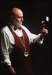 Pourquoi appelle-t-on le responsable des vins ''sommelier'' ?