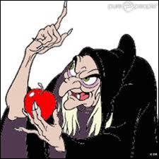 A quoi la sorcière de  Blanche-Neige  parle-t-elle ?