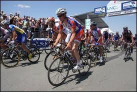 Ce cycliste est connu pour être très bon contre la montre mais il avait gagné aussi le titre de champion de France sur route en 2011; c'est donc ...