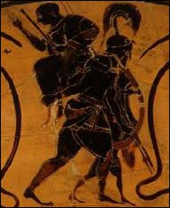 Je suis un héros troyen. Après la chute de Troyes, j'ai fui la ville en portant mon père Anchise, sur mes épaules. Je suis :