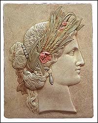 Fille de Cronos et de Rhéa, je suis la déesse du Blé et de la Moisson. Je suis :