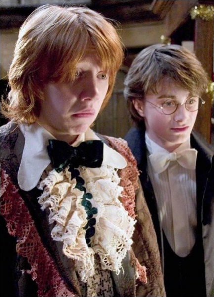 Qui est sortie avec Ron ?