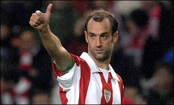 Né à Elgoibar, j'ai joué la majeure partie de ma carrière à l'Athletic Bilbao où mon poste d'attaquant m'a permis de marquer de nombreux buts, je suis . .