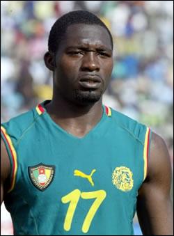 Footballeur camerounais, j'ai joué uniquement à Lens et à Lyon en France, je suis . .