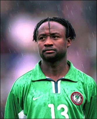 Buteur en 8e de finale de la Coupe du monde 1998 contre le Danemark, de nationalité nigériane, je suis . .