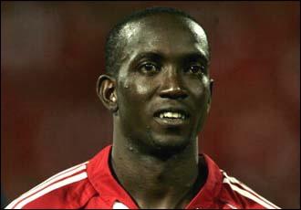Capitaine de Trinité-et-Tobago lors de la Coupe du monde 2006, c'est avec Aston Villa que j'ai joué le plus de matchs dans le championnat anglais, je suis . .