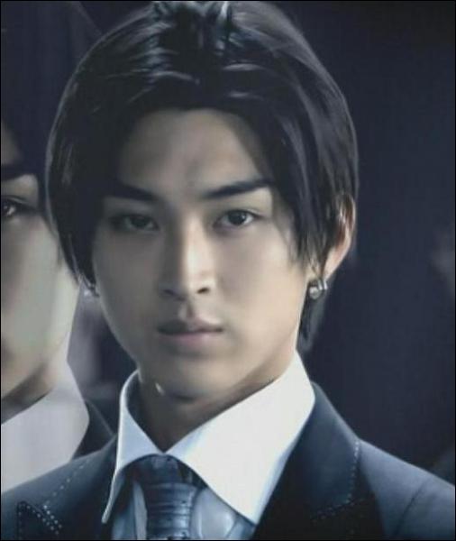 Quel acteur joue le rôle de Nishikado Sojiro ?