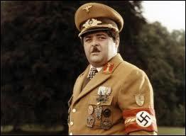 Dans quel film Jacques Villeret interprète-t-il Ludwig Von Apfelstrudel, le demi-frère d'Adolf Hitler ?