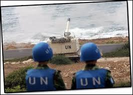 Force de maintien de la paix des Nations Unies, les casques bleus ont pour rôle d'assurer la sécurité internationale. Les premières unités furent créées en...