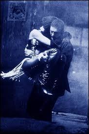 La chanson  I will always love you  fait partie de la bande originale. Quel est le titre de ce film culte ?