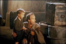 Guido explique les règles du jeu à son fils... Quel est le titre de cette fable cinématographique (magnifique) ?