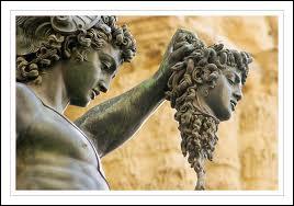Qui trancha la tête de la Gorgone Méduse ?