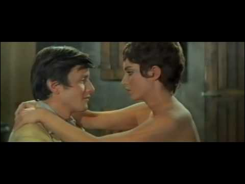 Dans   L'écume des jours   ( 1962 ) , l'actrice avec Jacques Perrin est :