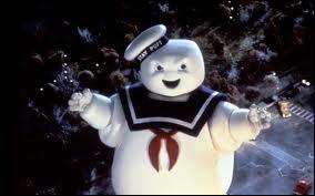 Dans quel film un marshmallow géant détruit-il la ville ?