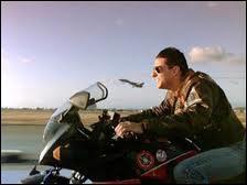 Quelle actrice partage l'affiche de  Top Gun  avec Tom Cruise ?
