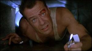 Dans quel volet de la saga  Die Hard , John McClane (Bruce Willis) passe-t-il Noël coincé dans un immeuble avec des terroristes ?