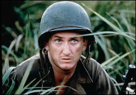 Dans quel film de guerre de Terrence Malick peut-on voir Sean Penn, Adrien Brody, George Clooney, Nick Nolte ou encore John Travolta ?