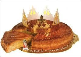 Celui qui trouve la fève se fait immédiatement couronner et cherche son Roi ou sa Reine, lors de la fête de ?