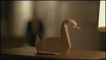 Dans quelle série les origamis sont-ils des objets cultes ?