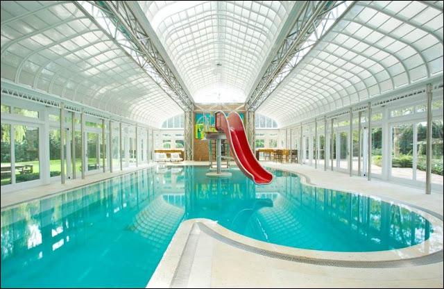 C'est une très belle piscine, située sur la côte est des USA. Quelle est sa particularité ?