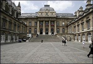 Quel est le nom de ce palais parisien ?