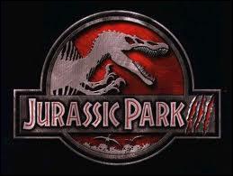 Avec quel moyen de transport visite-t-on Jurassic Park ?