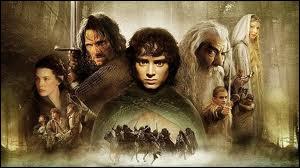 Combien de membres composent la communauté de l'anneau dans le premier volet du 'Seigneur des anneaux' ?