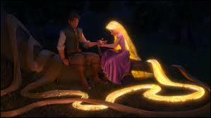 Parmi ces chansons il y a  Fleur aux pétales d'or . Qu'y a-t-il après  fleur au pétales d'or, répends ta magie...   ?