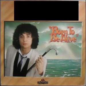Qui chante  Born to be alive  ? (1979)