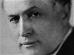 Harry Houdini (1874 / 1926) est le nom d'un merveilleux ------------ (le plus grand peut-être).