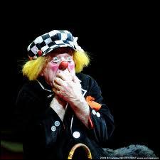 Youri Kouklatchev est un clown dresseur du cirque de Moscou. Avec quels animaux inhabituels sur une piste de cirque faisait-il un numéro ?