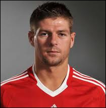 Ces footballeurs ont joué toute leur carrière à Manchester United FC. Cherchez l'intrus !