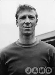 Jack Charlton fut un des vainqueurs de la Coupe du monde 1966. Il a toujours joué à...